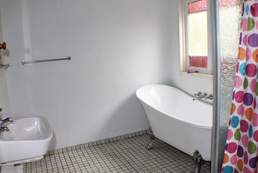 main house bathroom